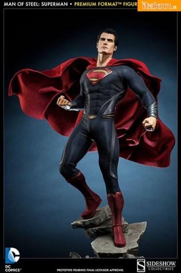 Superman Man of Steel Premium Format Figure  (2)