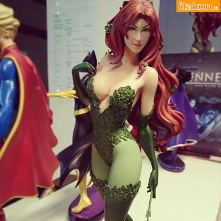 Cover Girls: Poison Ivy Statue di DC Collectibles - Prima Immagine del Prodotto Finito