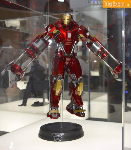 Hot-Toys-Iron-Man-3-Red-Snapper-Armor