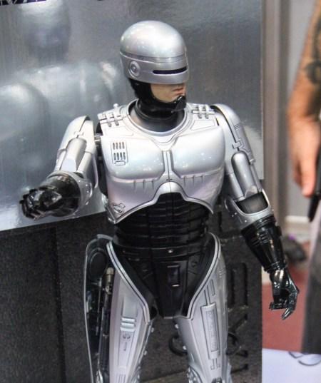 romic-2014-toys-heroes-thumb