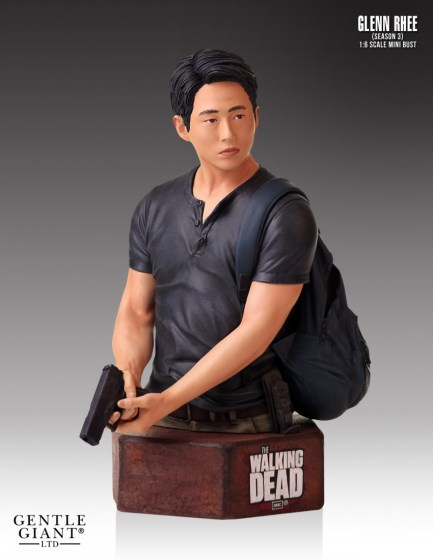 Gential-Giant-Walking-Dead-Glenn-Mini-Bust-2
