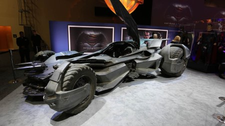 bvs-batmobile_01