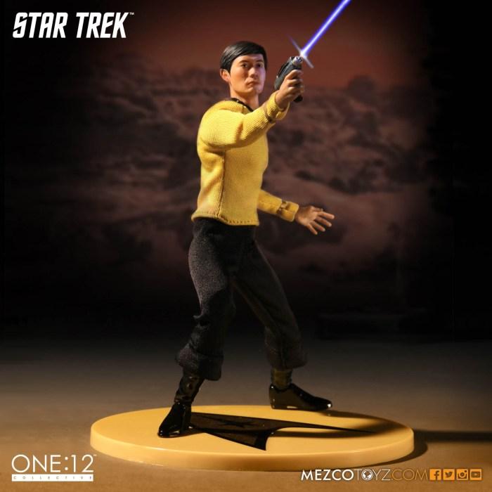 Mezco-One12-Star-Trek-Sulu-002
