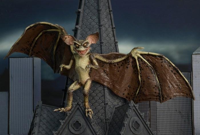 Bat-Gremlin-NECA-009
