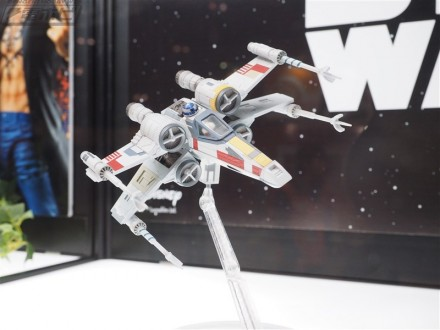 "X-Wing Starfighter linea Variable Action D-SPEC da ""Star Wars"""