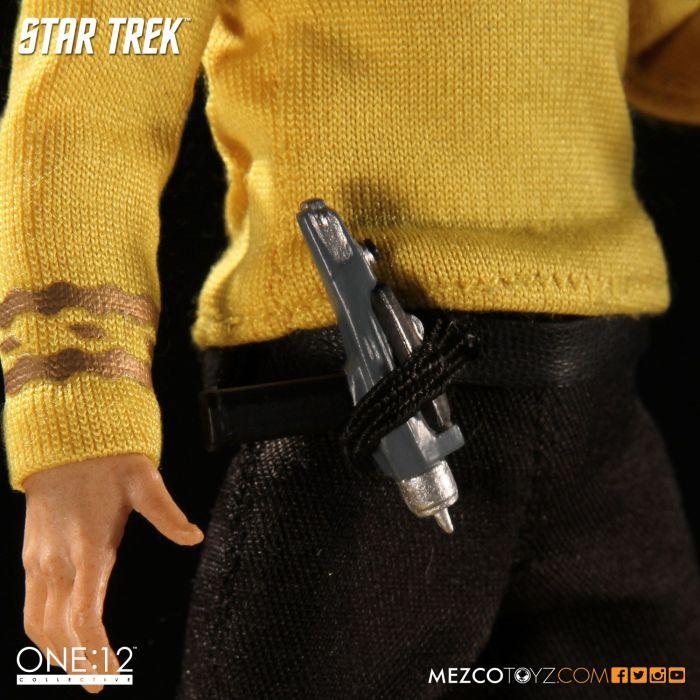 Mezco-Star-Trek-One12-Captain-Kirk-005