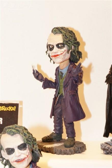 Joker TOYS ROCKA! da Batman The Dark Knight disponibile da Gennaio 2016 a 6264 Yen
