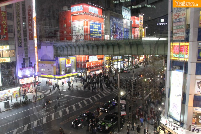 japan-tour-2016-akihabara-41