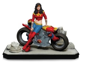 Gotham-City-Garage-Wonder-Woman-Statue