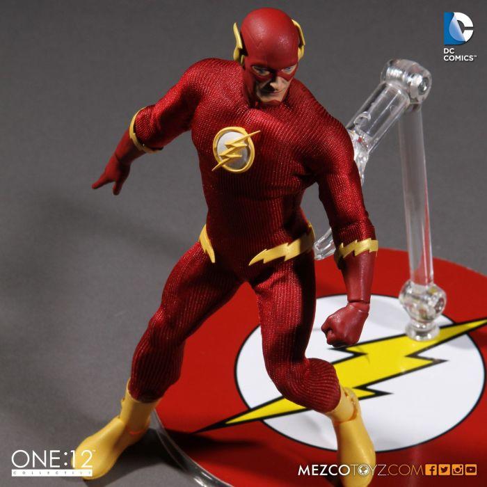 Mezco-One12-Flash-006