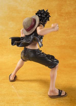 Monkey D Luffy - One Piece Gold - Bandai Figuarts ZERO info 03