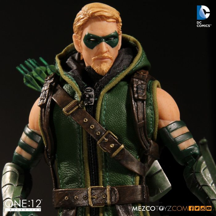 MezcoOne12-Collective-Green-Arrow-005