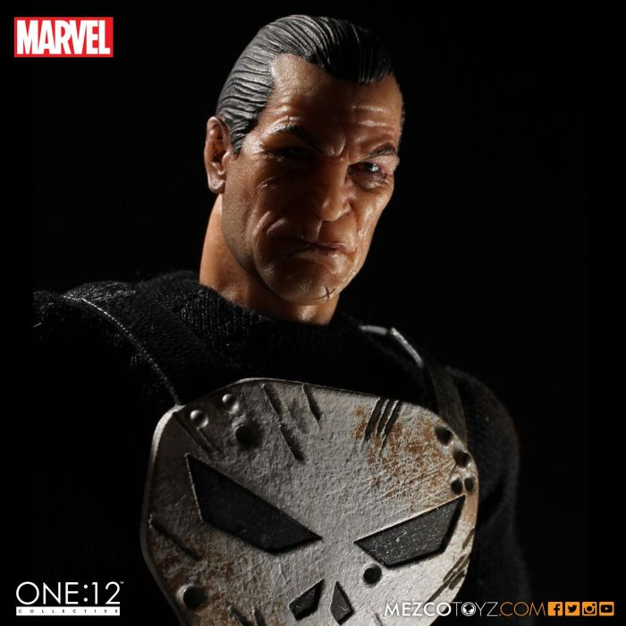 MezcoOne12-The-Punisher-002