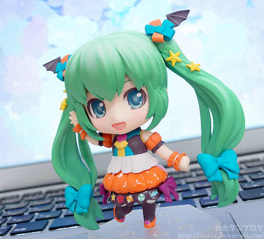 Miku Pumpkin Co-de GSC Nendoroid pics 01