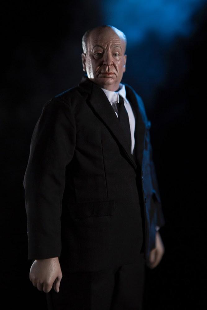Mondo-Alfred-Hitchcock-Figure-004