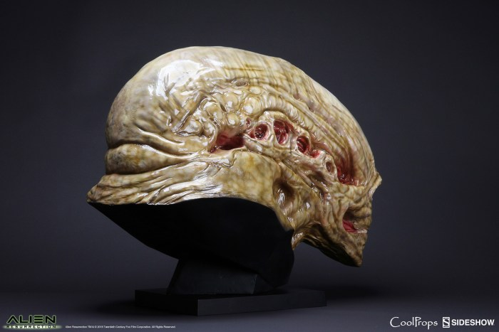 alien-resurrection-alien-newborn-life-size-head-coolprops-902730-05