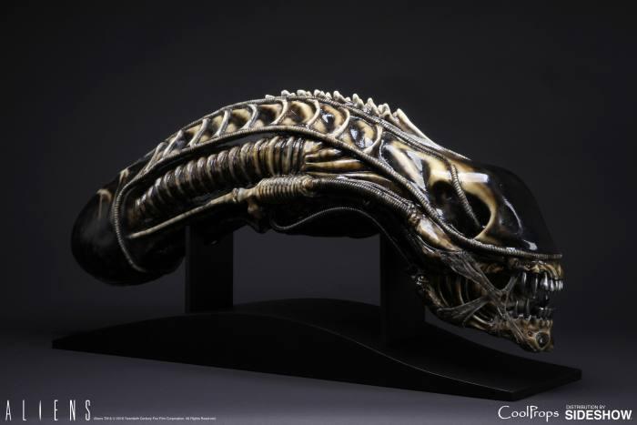 aliens-alien-warrior-life-size-head-coolprops-902729-03