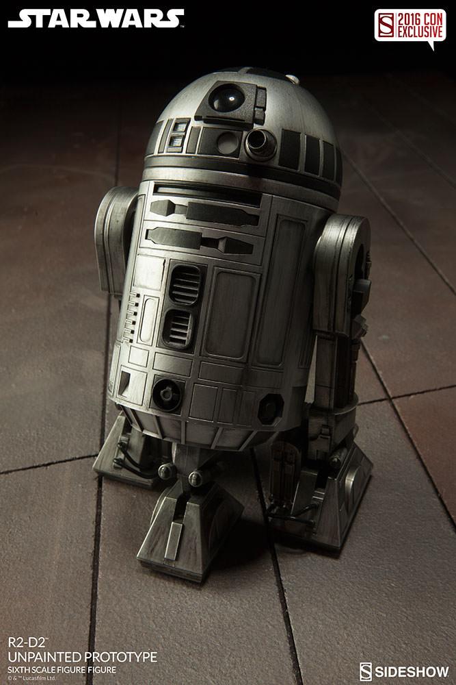 SDCC16-Sideshow-R2-D2-Figure002