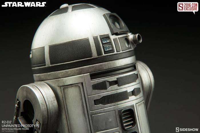 SDCC16-Sideshow-R2-D2-Figure006