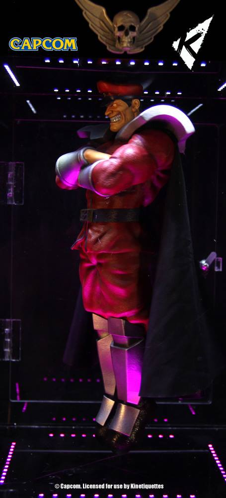 Kinetiquettes-M-Bison-Floating-Statue-001