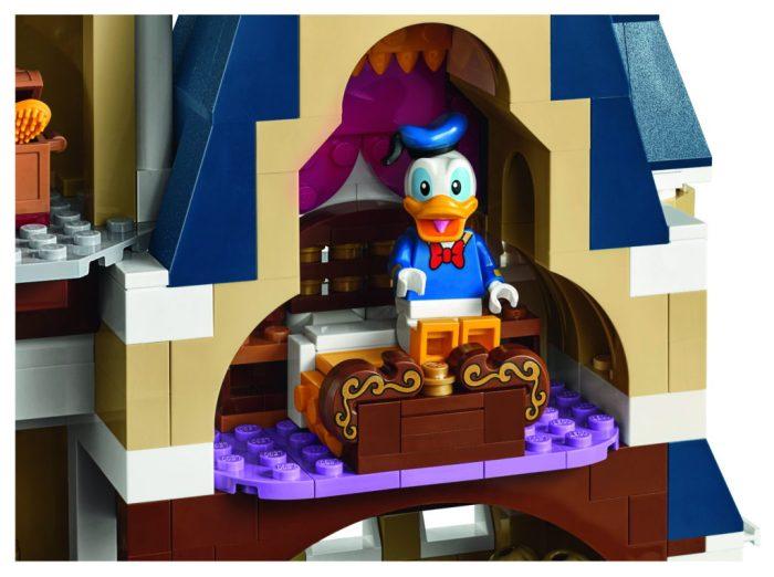 LEGO-71040-Disney-Castle-Donald-Duck-Room-1024x763