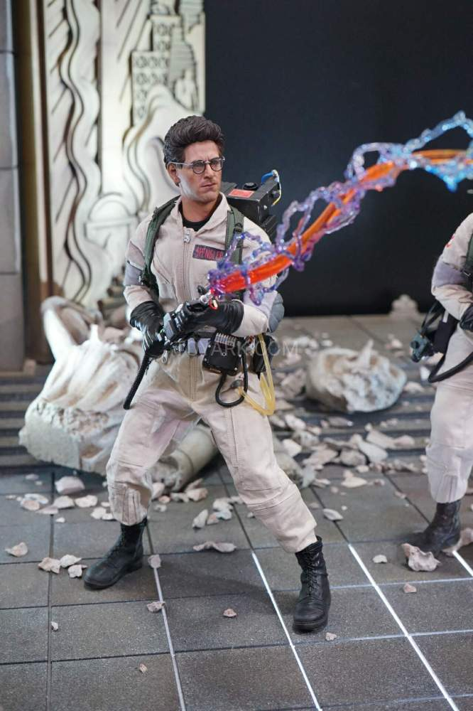 SDCC-2016-Blitzway-12-Inch-Ghostbusters-002