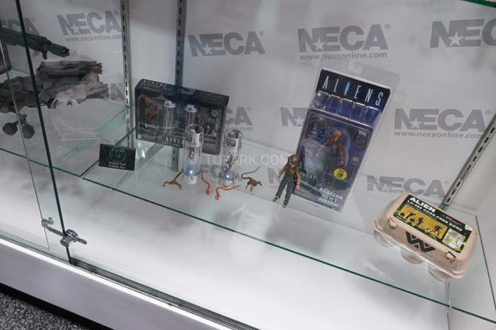 SDCC-2016-NECA-Aliens-015