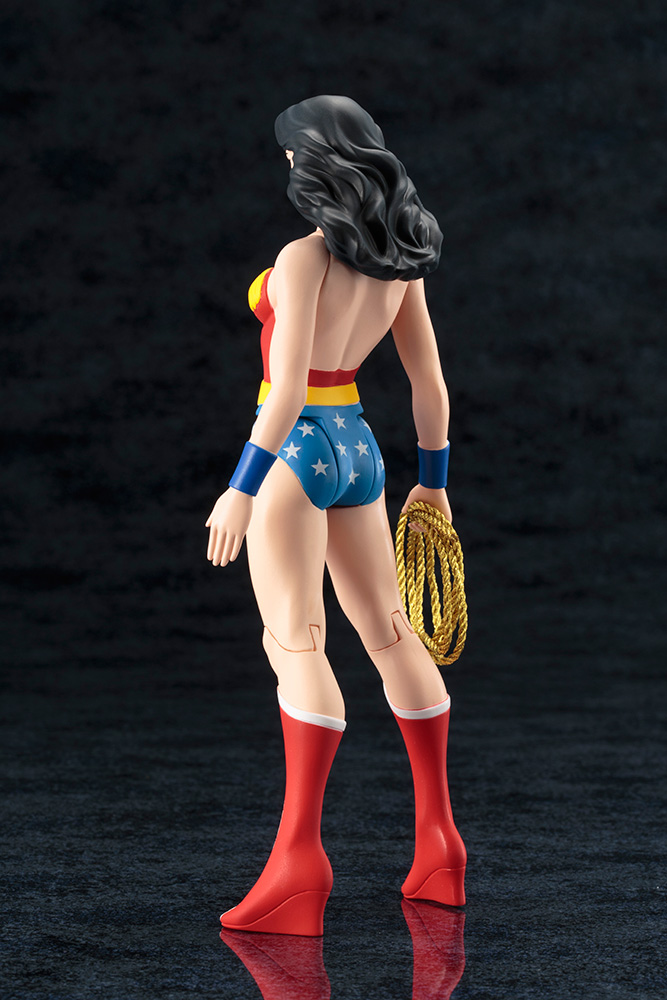 DC Universe - Wonder Woman - ARTFX - Super Powers Classics - Kotobukiya - Foto 04