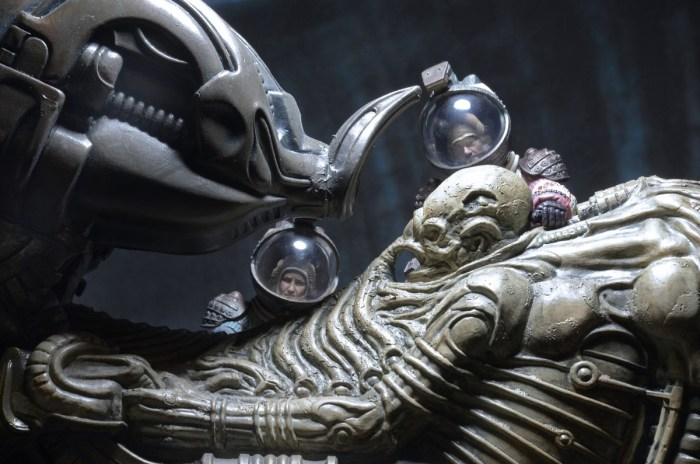 NECA-Alien-Foam-Space-Jockey-013