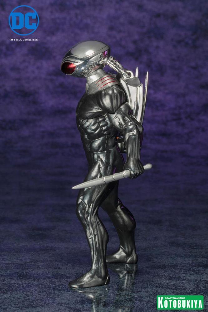 black-manta-artfx-statue-003