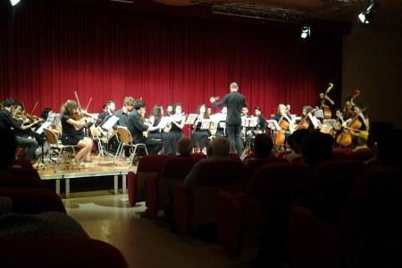 l'Orchestra dei Corsi di Formazione Musicale in un concerto dato nel 2017
