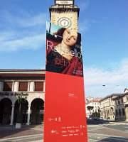 Bergamo - pannello informativo sulla mostra dedicata a Raffaello