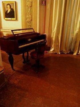 Bergamo - il piano solitario del Museo Donizetti