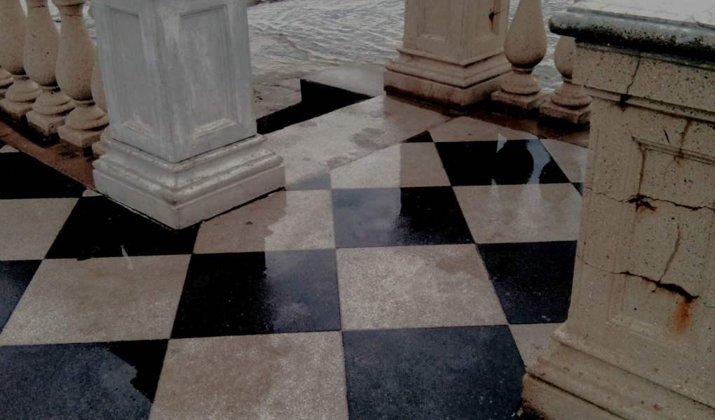 particolare della Terrazza Mascagni a Livorno
