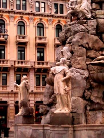 dettaglio di Piazza Unità d'Italia