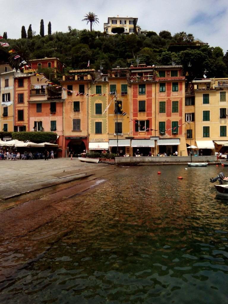 Meravigliosa Portofino: acqua, case e natura