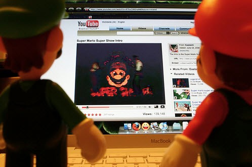 YouTube MacBook 001 Steve Jobs: Blu ray su Mac? YouTube adesso supporta i video HD