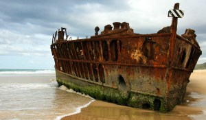 Unique-Old-Ship-in-Fraser-Island-Wallpapers