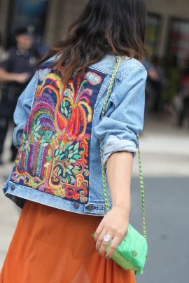 Giacca di jeans ricamata