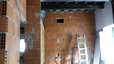 Kitchen with hole for exhaust