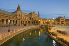 Plaza de Espana at night
