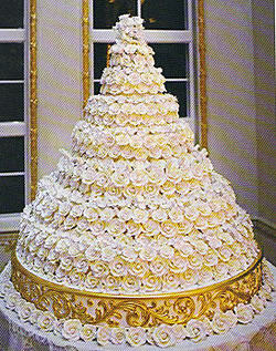 Lifestyle   Weddings in Italy  by Weddings International Extravagant wedding cake from Donald Trump s wedding