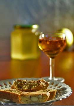 Vin Santo with biscotti