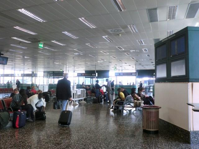 ミラノ 空港