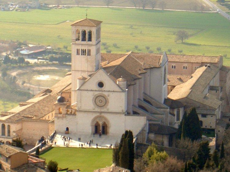 ロッカ・マッジョーレから見たサン・フランチェスコ聖堂