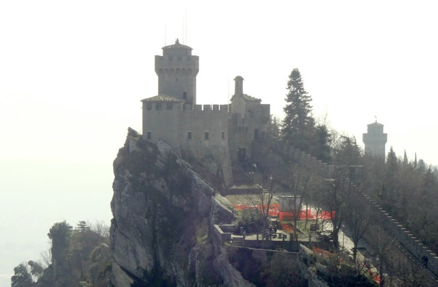 サン・マリノのチェスタの塔