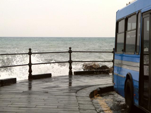 アマルフィ海岸のバス