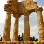 ディオスクロイ神殿