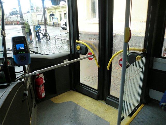 ティローロのバス
