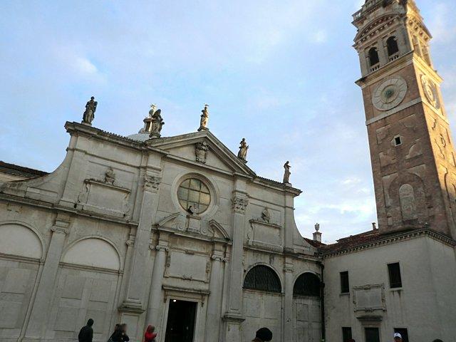 サンタ・マリア・フェルモーザ教会
